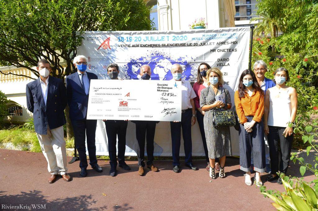 Conclusion de l'édition 2020 de UPAW, Urban Painting Around the world. Remise de cheque à la fondation Prince Albert II de Monaco